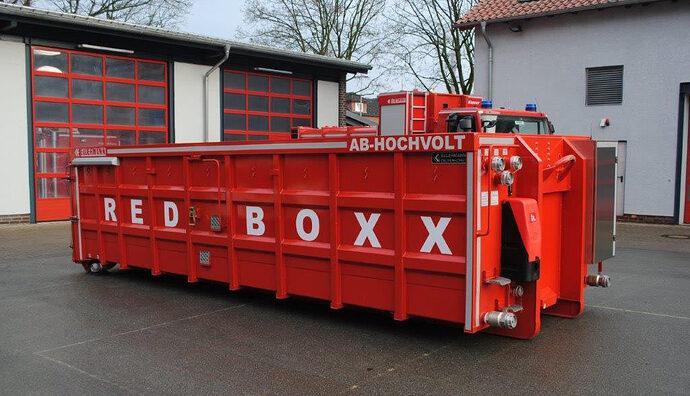 Elektroauto-Loesch-Container-Red-Boxx-1-1024x588