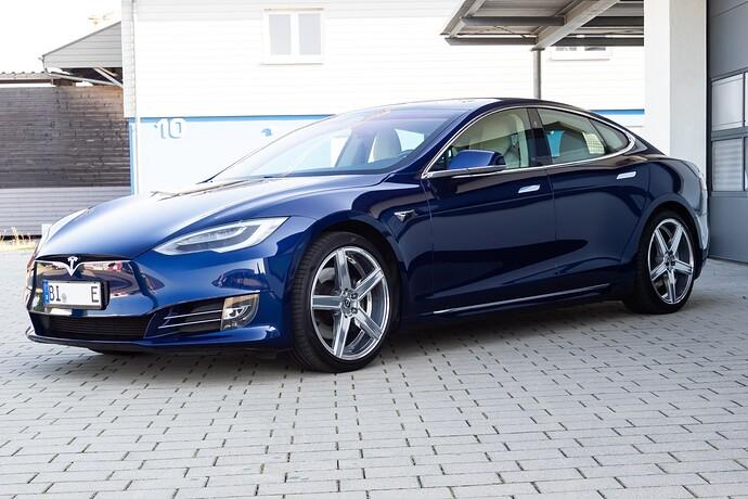 2021-09-05_Tesla_ToddeMK300418_ohne_Kennzeichen