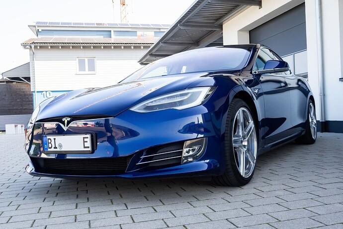 2021-09-05_Tesla_ToddeMK300410_ohne Kennzeichen