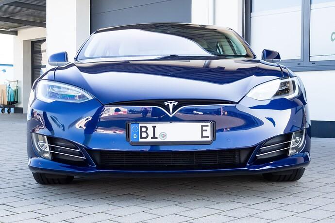 2021-09-05_Tesla_ToddeMK300409_ohne_Kennzeichen