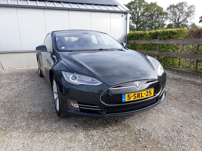 Tesla_02.jpg