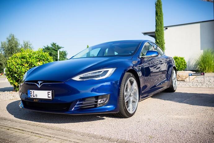 2021-09-05_Tesla_ToddeMK300440_ohne_Kennzeichen