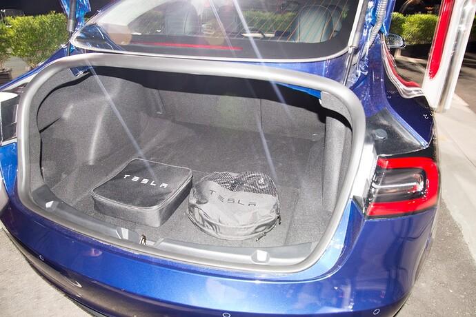model3-trunk-2.jpg