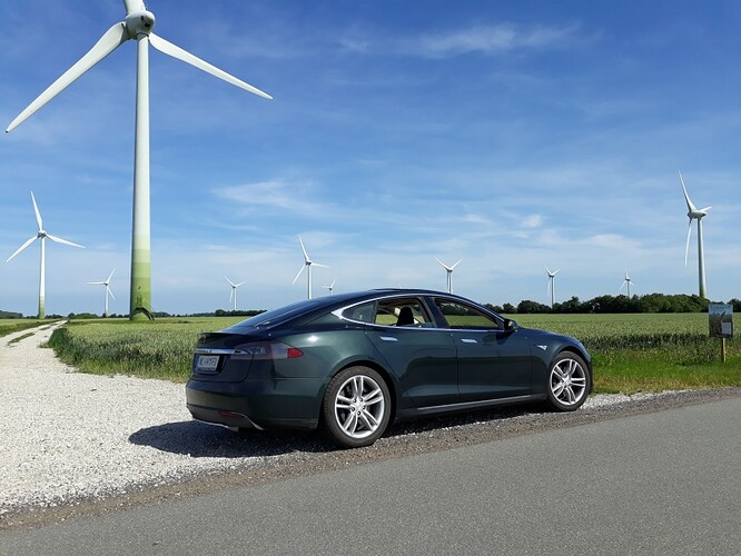 Tesla_04.jpg